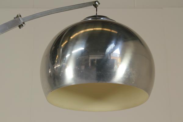 Lampada ad arco illuminazione modernariato dimanoinmano