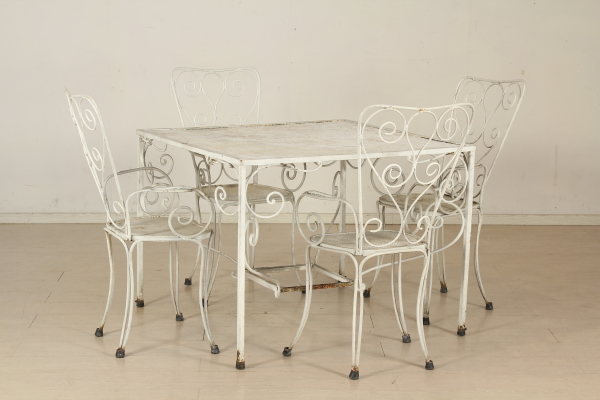 Tavolo e sedie in ferro battuto tavoli modernariato for Negozi tavoli milano