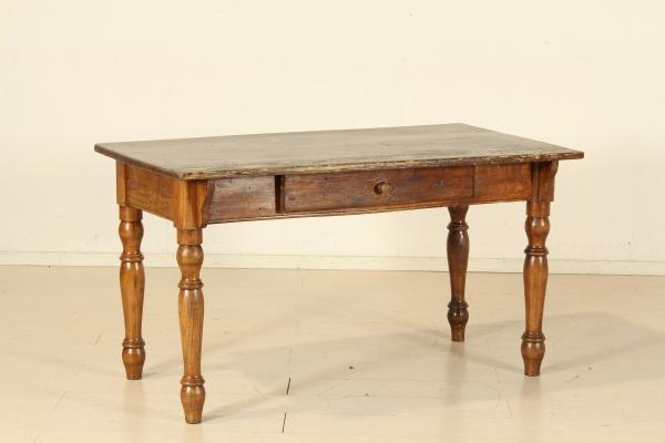 Tavolo gambe tornite tavoli antiquariato for Negozi tavoli milano