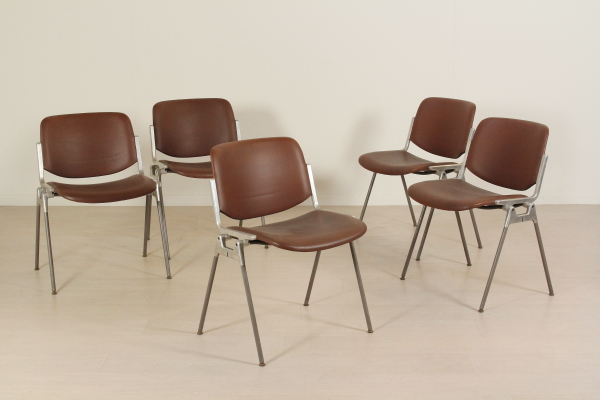 Sedie castelli sedie modernariato - Castelli mobili ...