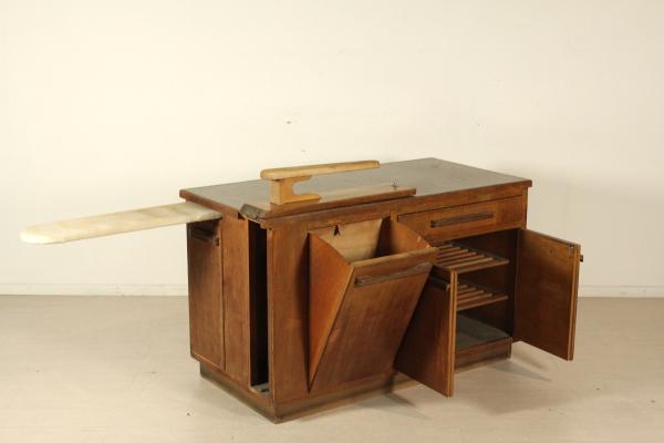 Mobile stireria tavoli modernariato for Negozi tavoli milano