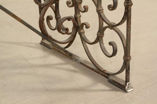 Arredamento In Ferro Battuto A Milano : Tavolo in ferro battuto e ceramica fresco tavoli in ferro battuto