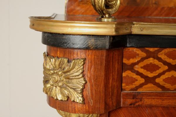 Credenza Con Vetrina In Stile : Credenza con vetrina in stile mobili bottega del 900