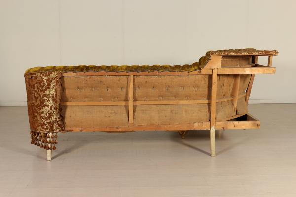 Divano angolare in stile barocco sedie poltrone divani for Divano stile barocco
