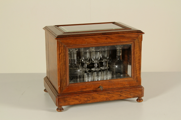 Credenza Per Liquori : Cassetta da viaggio porta liquori oggettistica antiquariato