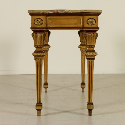Neoclassical parietal table-side