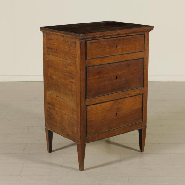 petite commode r pertoire tables de chevet antiquit s. Black Bedroom Furniture Sets. Home Design Ideas