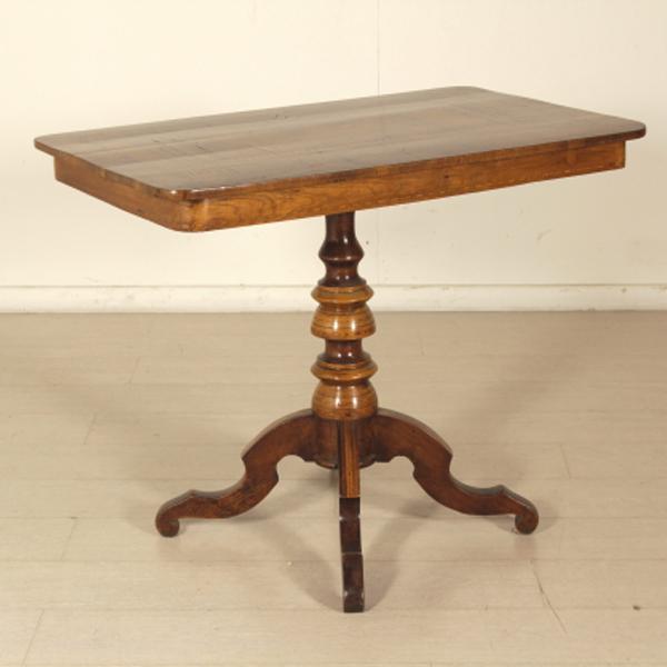 Tavolino intarsiato rolo tavolini antiquariato for Negozi tavoli milano