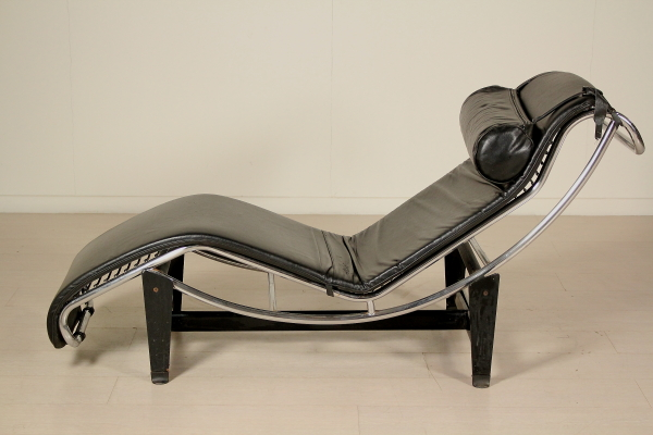 Poltrone Chaise Longue Design.Chaise Longue 80 Years Armchairs Modern Design