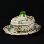 Tureen with tray