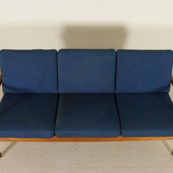 Divano danese divani modernariato for Divano particolare