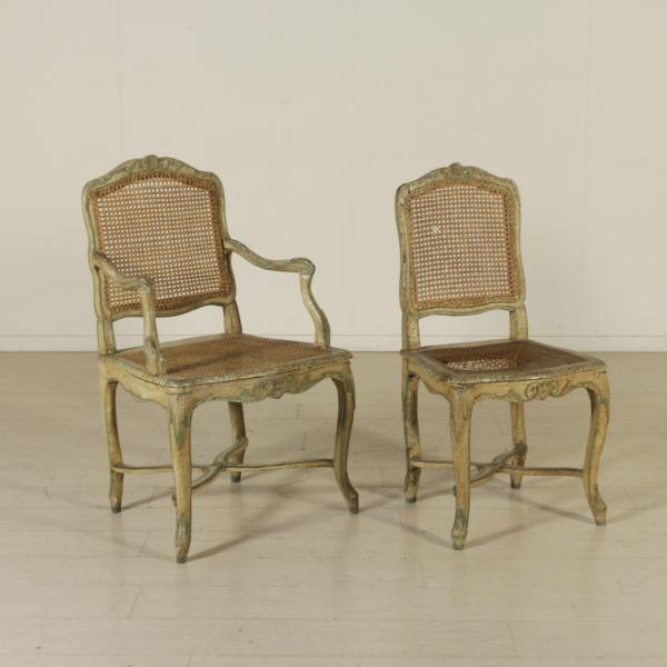 Coppia di poltrone e gruppo di otto sedie sedie poltrone for Poltrone e sedie