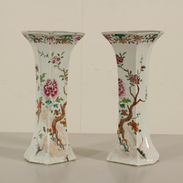 Coppia di vasi in porcellana ceramiche antiquariato for Vasi cinesi antichi antiquariato