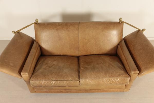 Divano inglese divani modernariato for Divano particolare