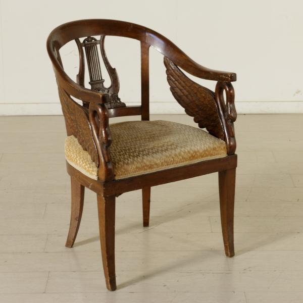 Poltrona impero sedie poltrone divani antiquariato for Sedie a poltrona