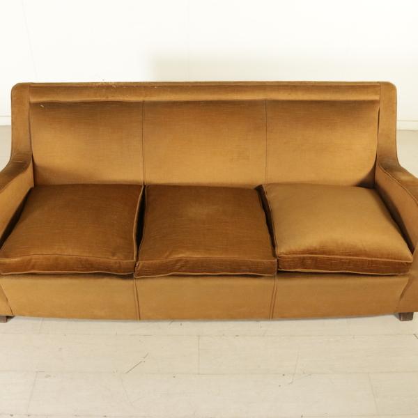 Divano anni 40 divani modernariato for Divano particolare