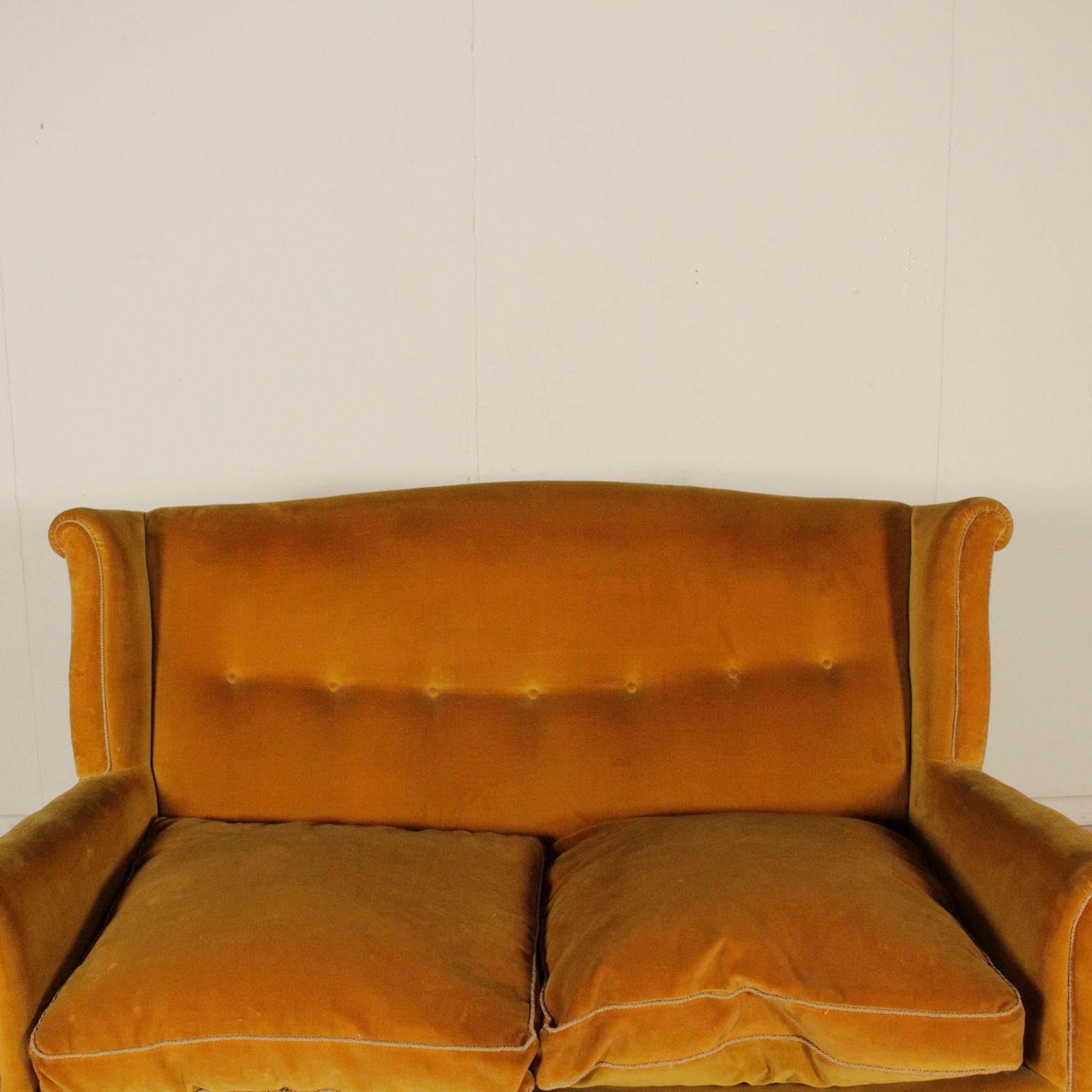 Divano anni 50 divani modernariato for Divano particolare