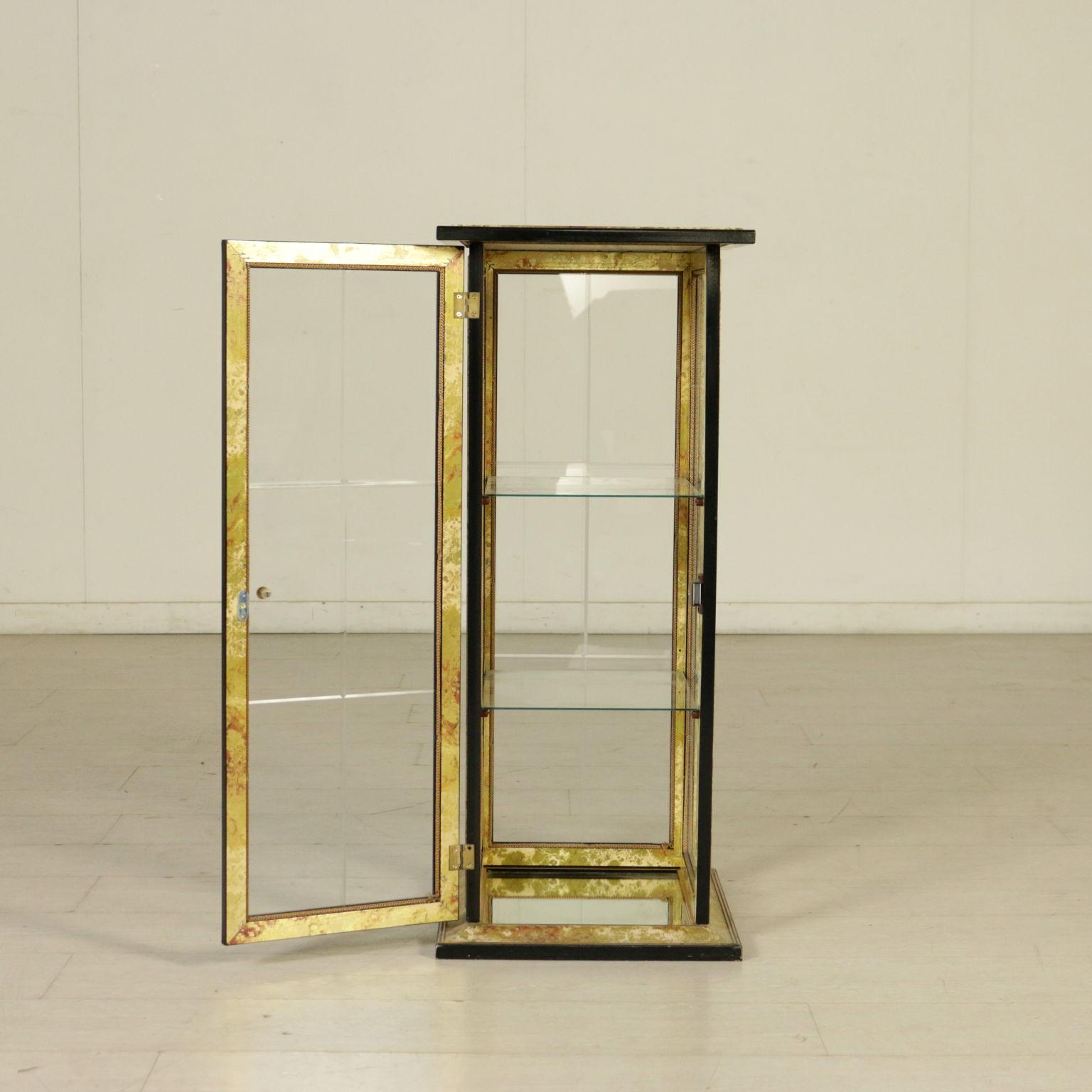 vitrine goldenen stilvolle m bel bottega del 900. Black Bedroom Furniture Sets. Home Design Ideas