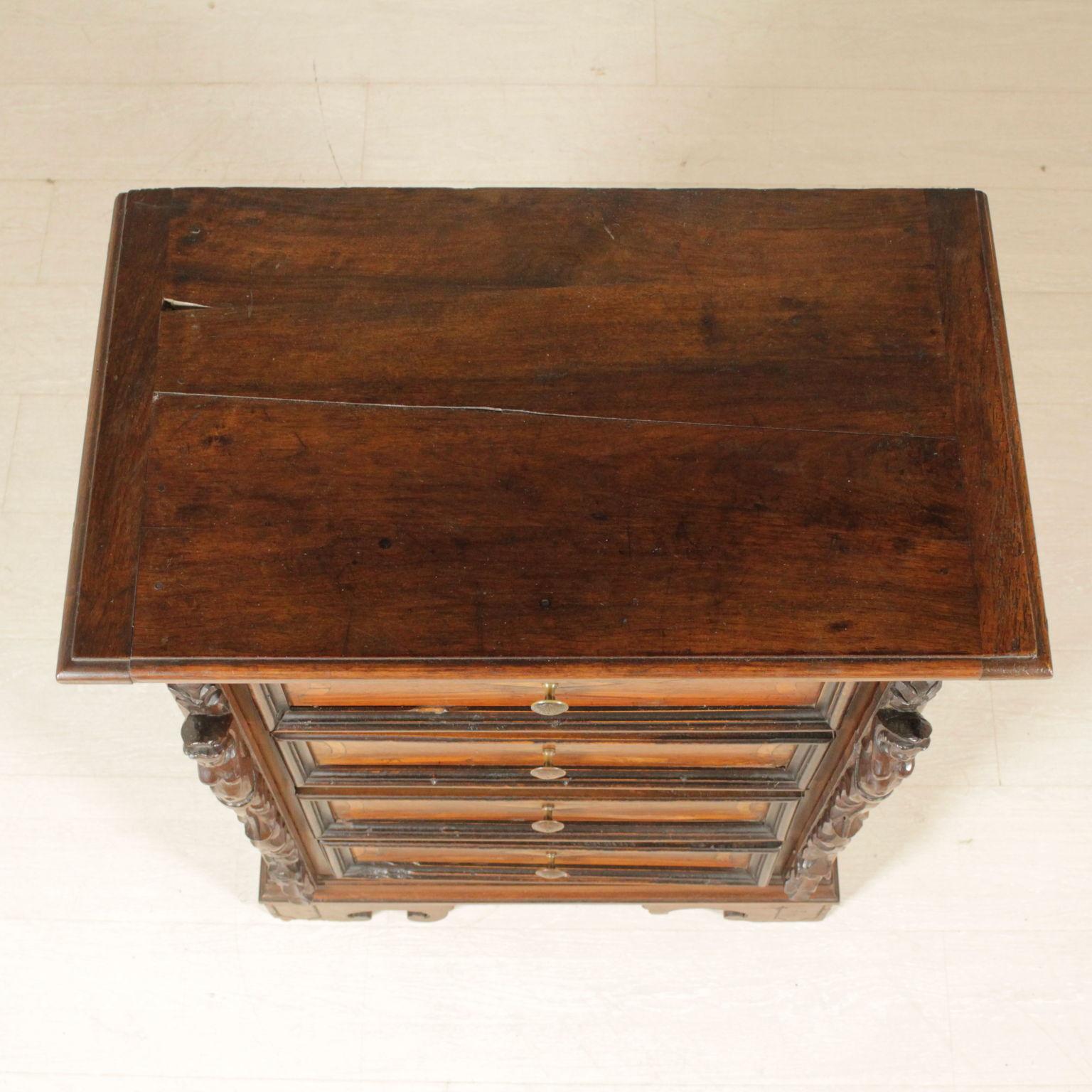 Pecho de cajones antiguos de madera muebles de estilo - Cajones de madera antiguos ...