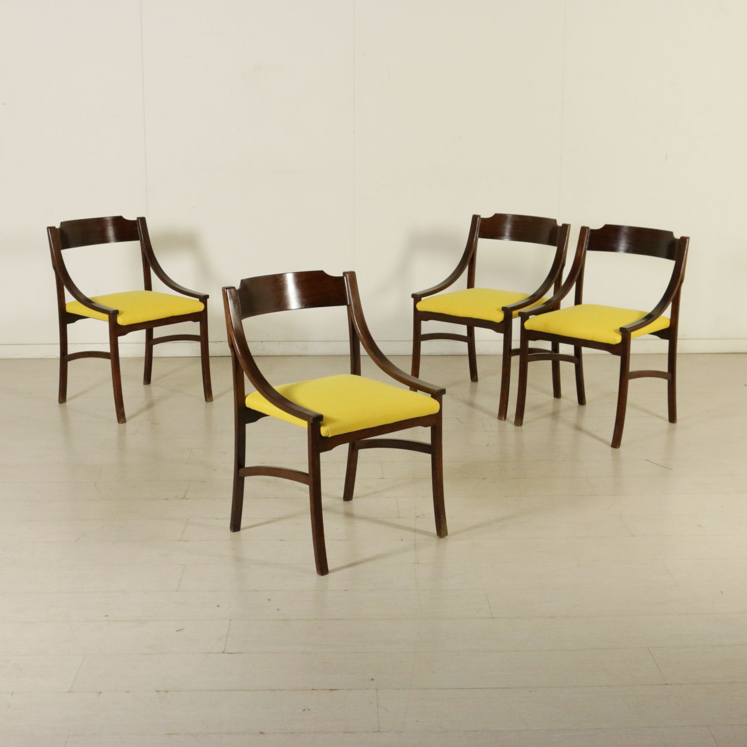 Krzes a z lat 60 tych krzes a nowoczesny design for Sedie design anni 90