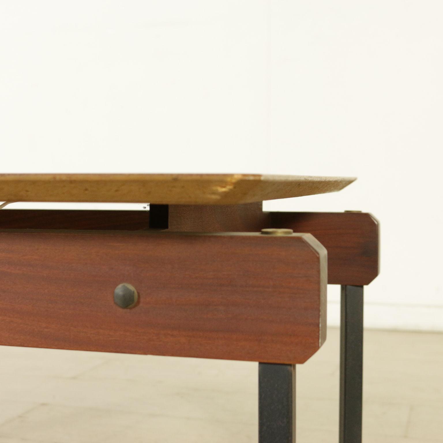 beistelltisch 60er jahre tische modernes design. Black Bedroom Furniture Sets. Home Design Ideas