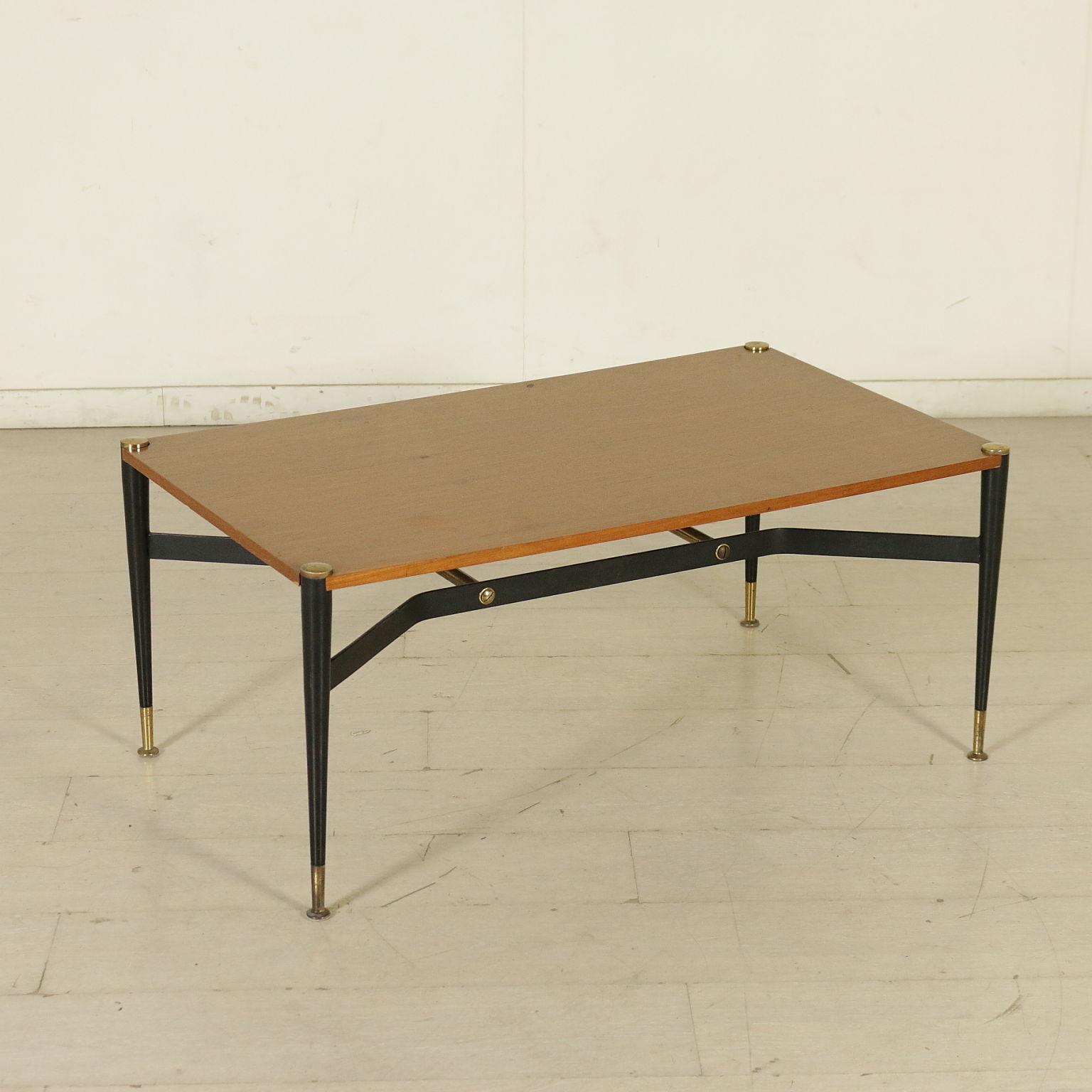 Tabela 60 tabelas design moderno for Tavolino anni 60 design