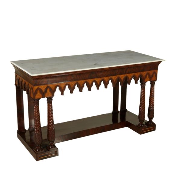 Table Parietal Neo Gothic