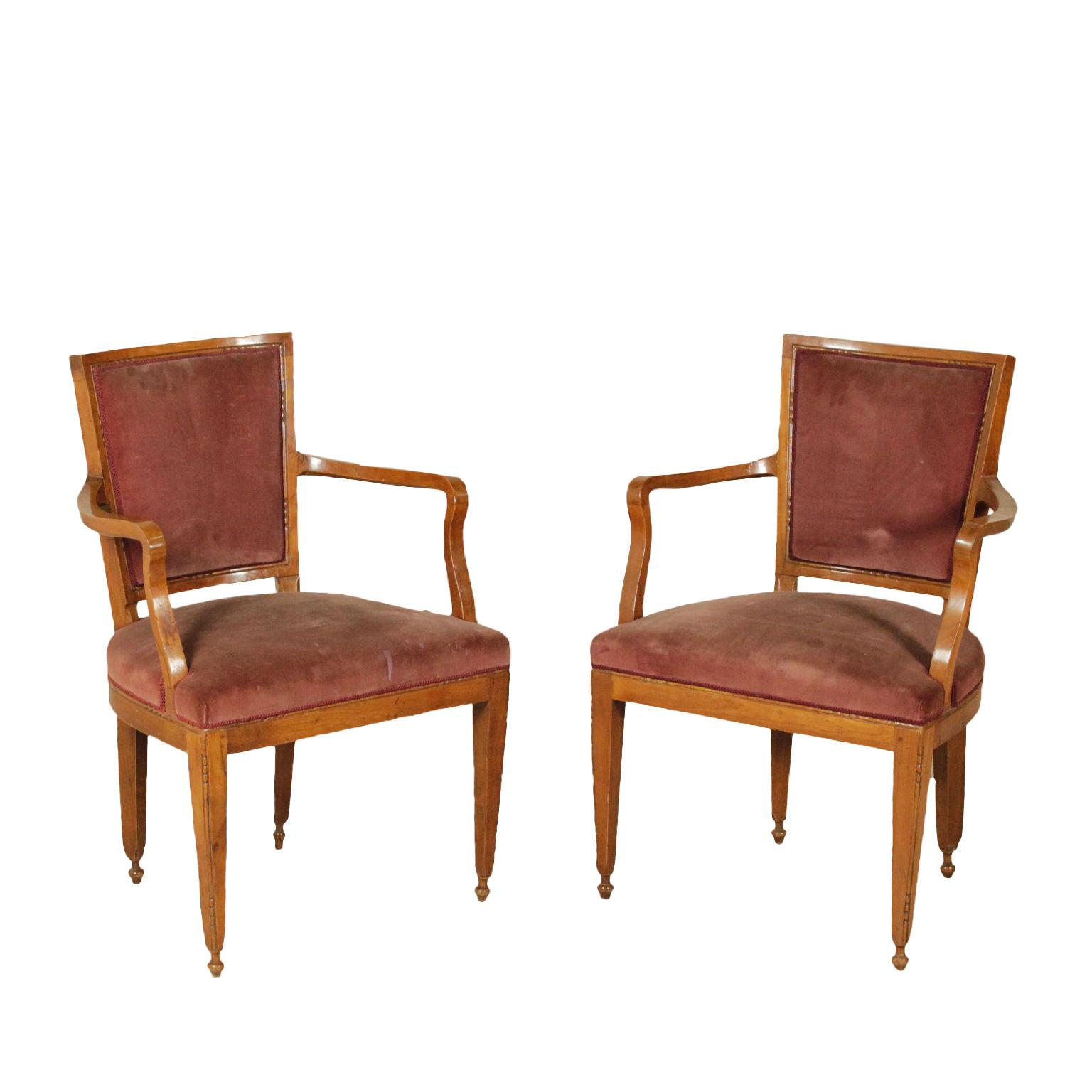 Coppia di poltrone neoclassiche sedie poltrone divani for Poltrone sedie