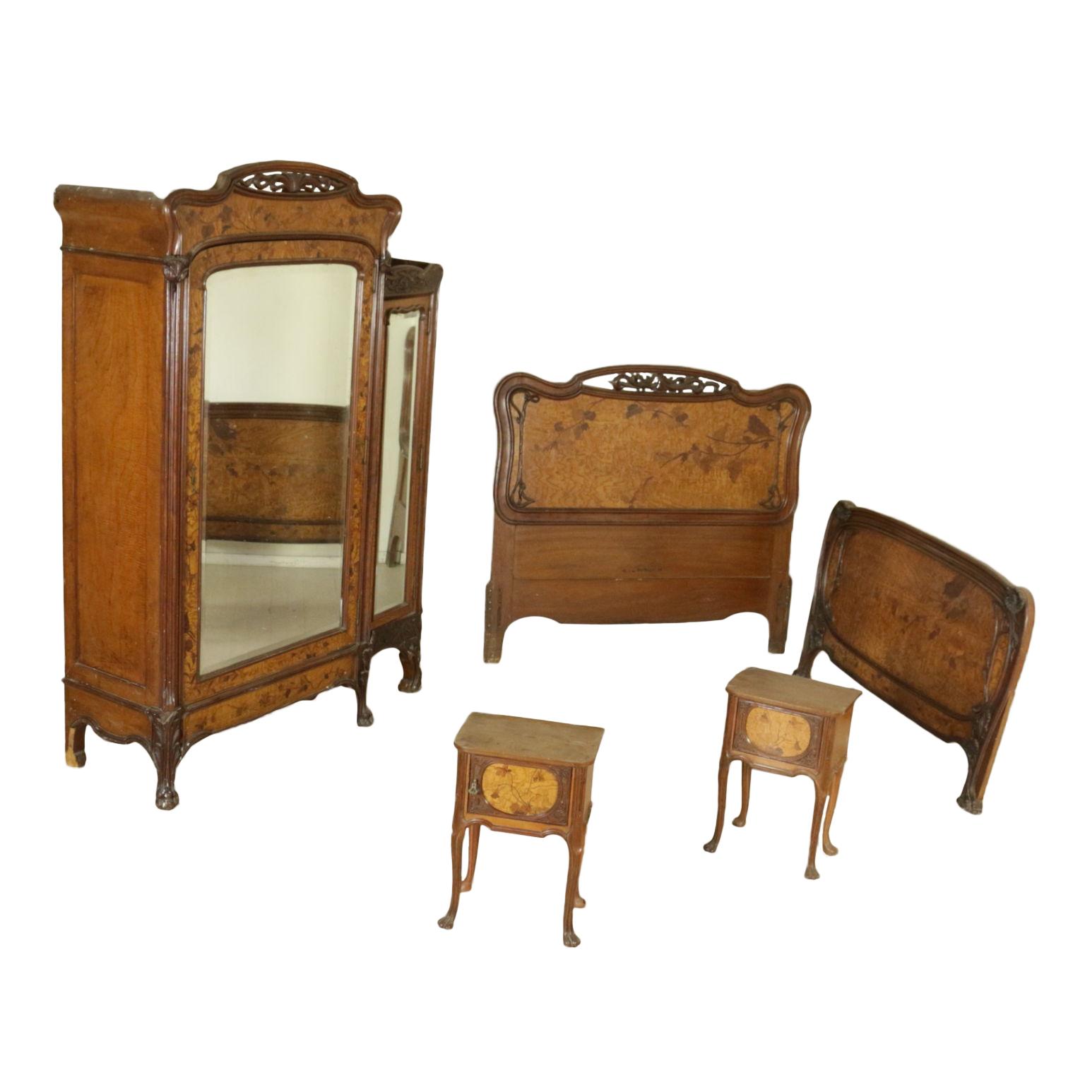 Armario, cama y mesitas de noche de estilo art nouveau - Mobiliario ...