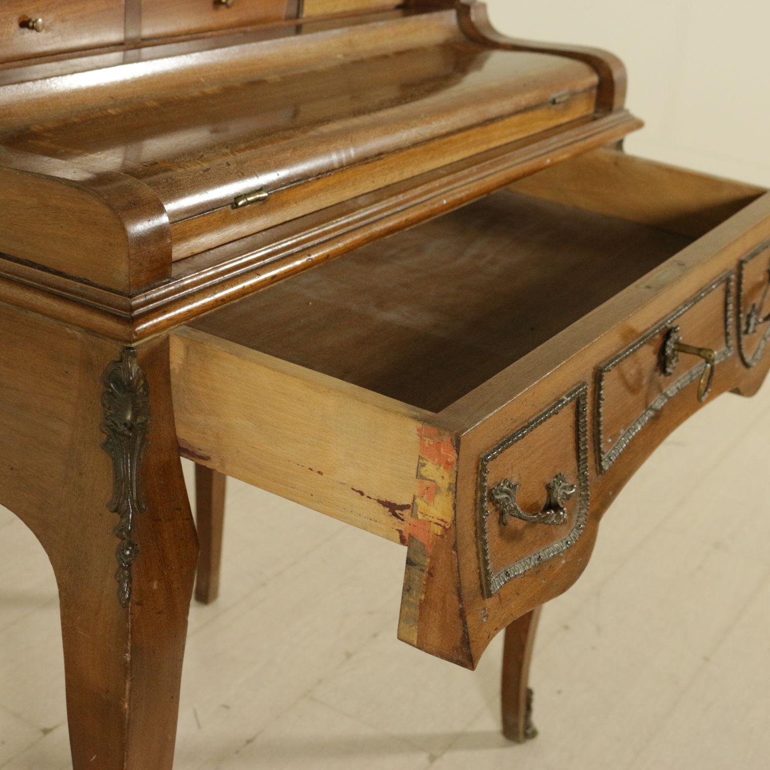 Scrivania Con Ribalta. Gallery Of Scrivania Con Piano E Gambe Quadro ...
