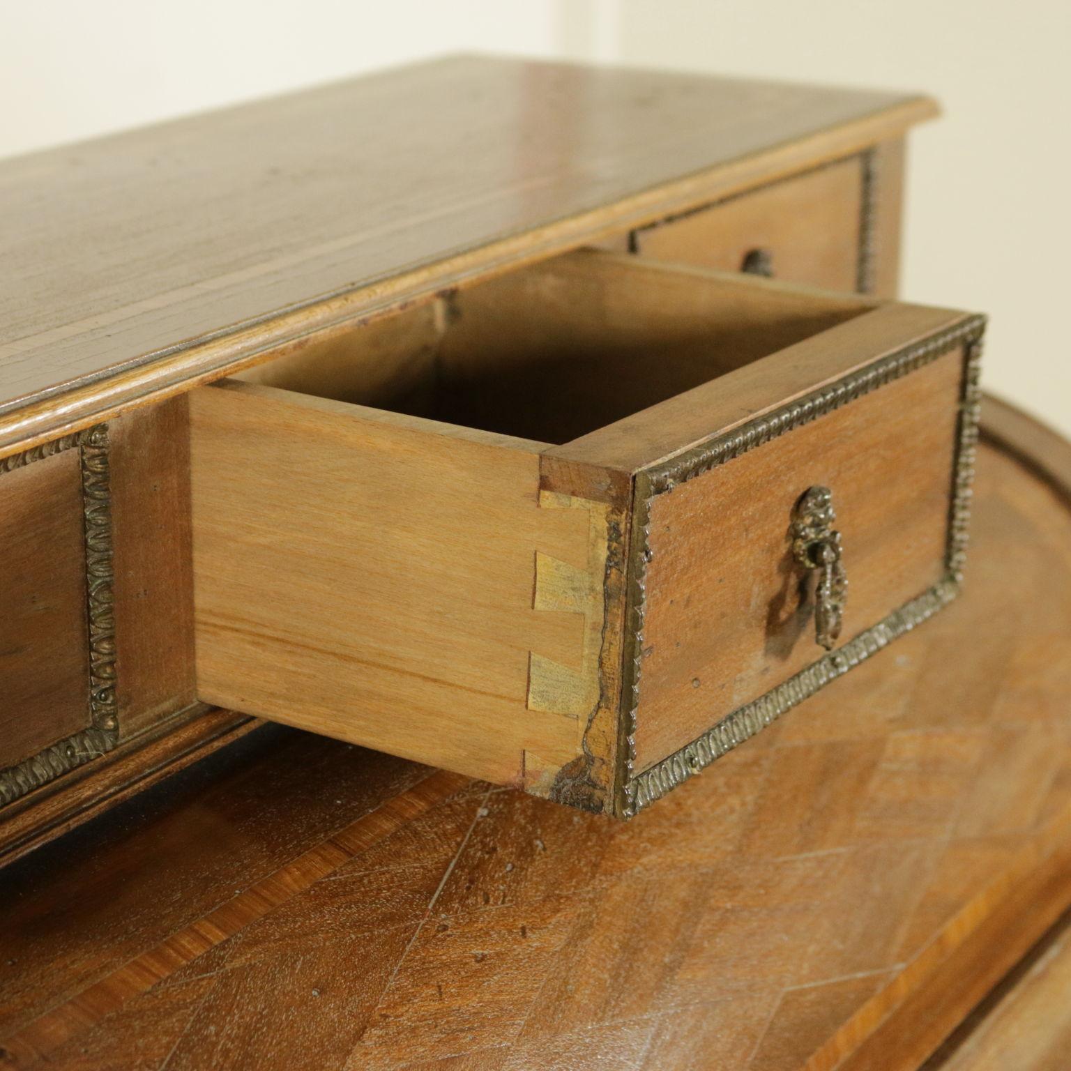 schreibtisch klapptisch mit einem hub taverna bottega del 900. Black Bedroom Furniture Sets. Home Design Ideas