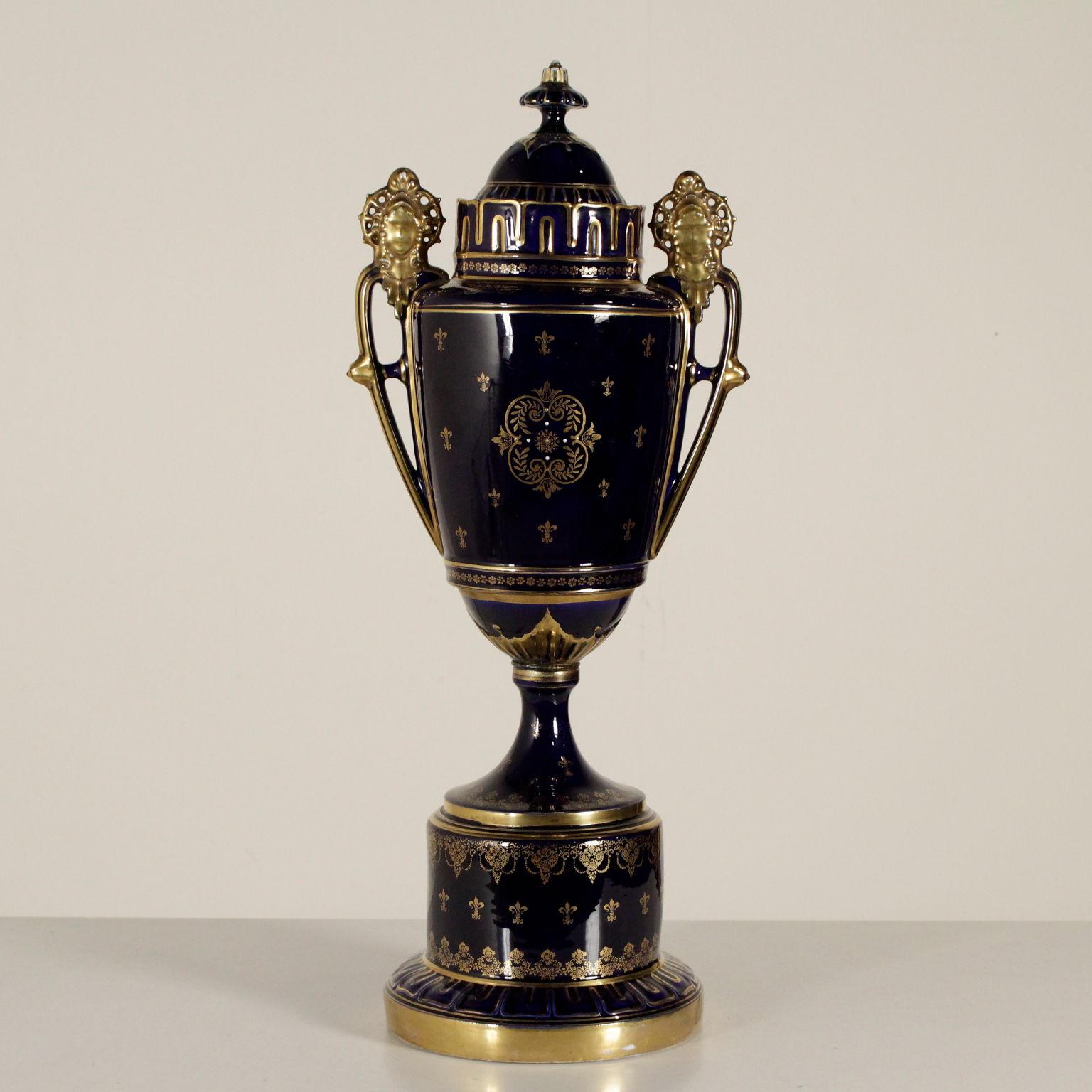 Vaso in porcellana oggettistica antiquariato for Vaso di porcellana