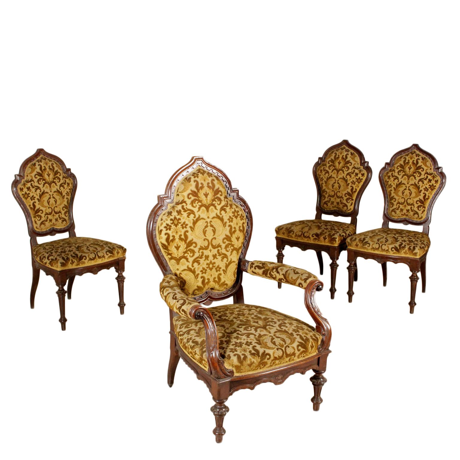 Gruppo di tre sedie e poltrona sedie poltrone divani for Poltrone sedie