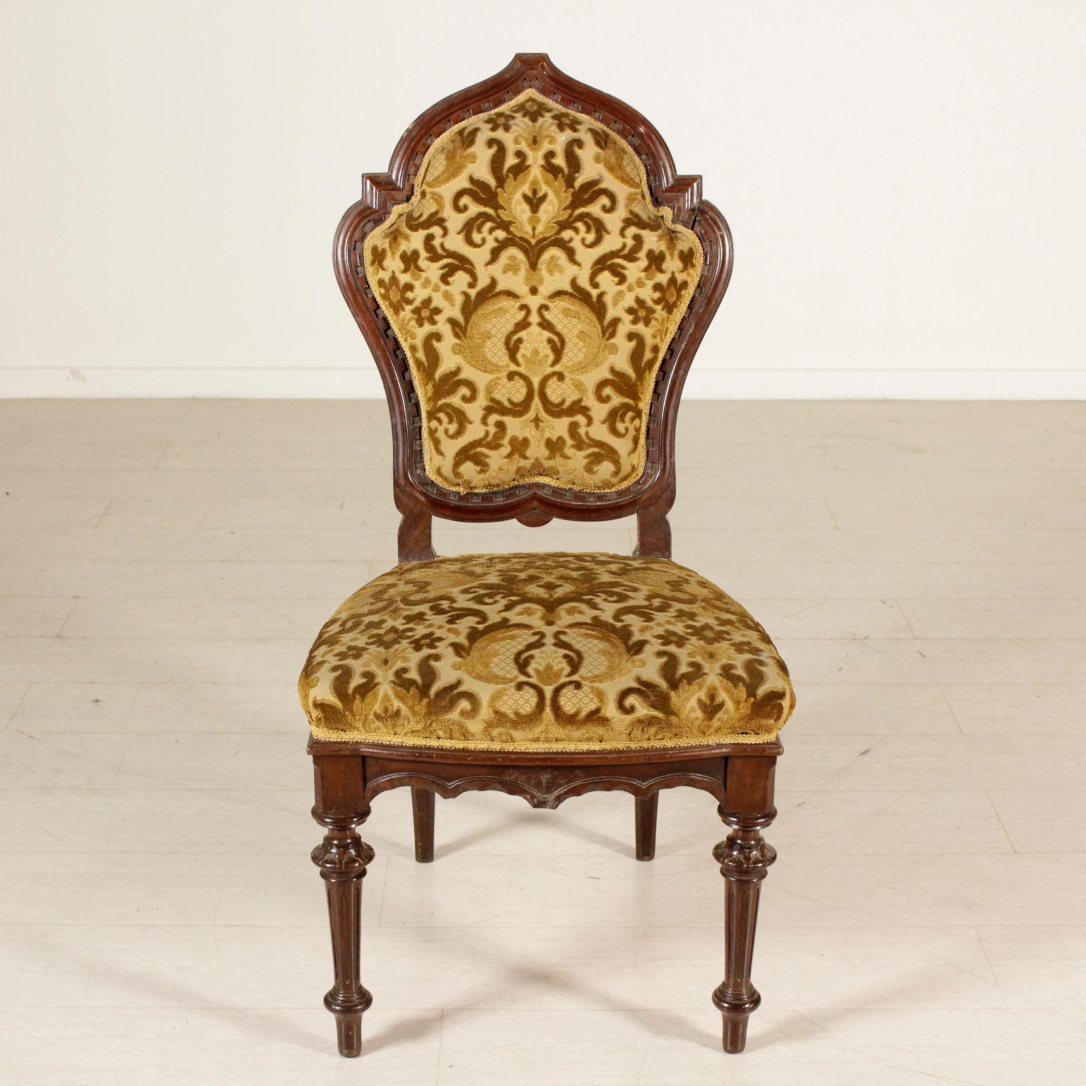 Gruppo di tre sedie e poltrona sedie poltrone divani for Sedie a poltrona