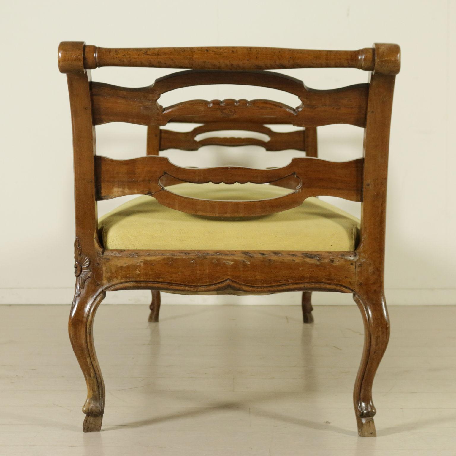 Panca divano sedie poltrone divani antiquariato for Divano particolare