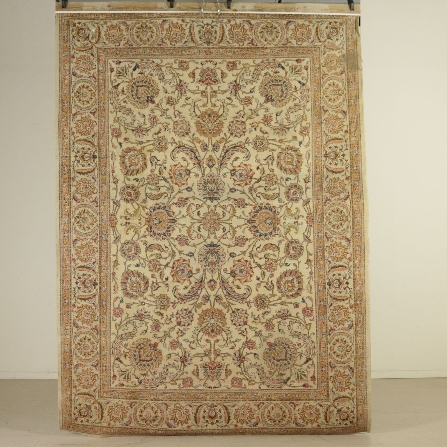 Alfombra tabriz en ir n alfombras antiguedades for Alfombras de iran