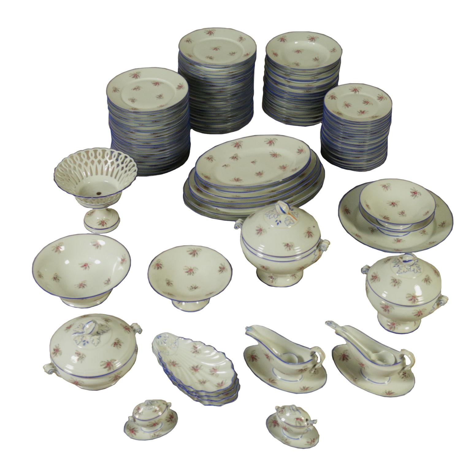 Servizio di piatti in porcellana oggettistica for Servizio di piatti
