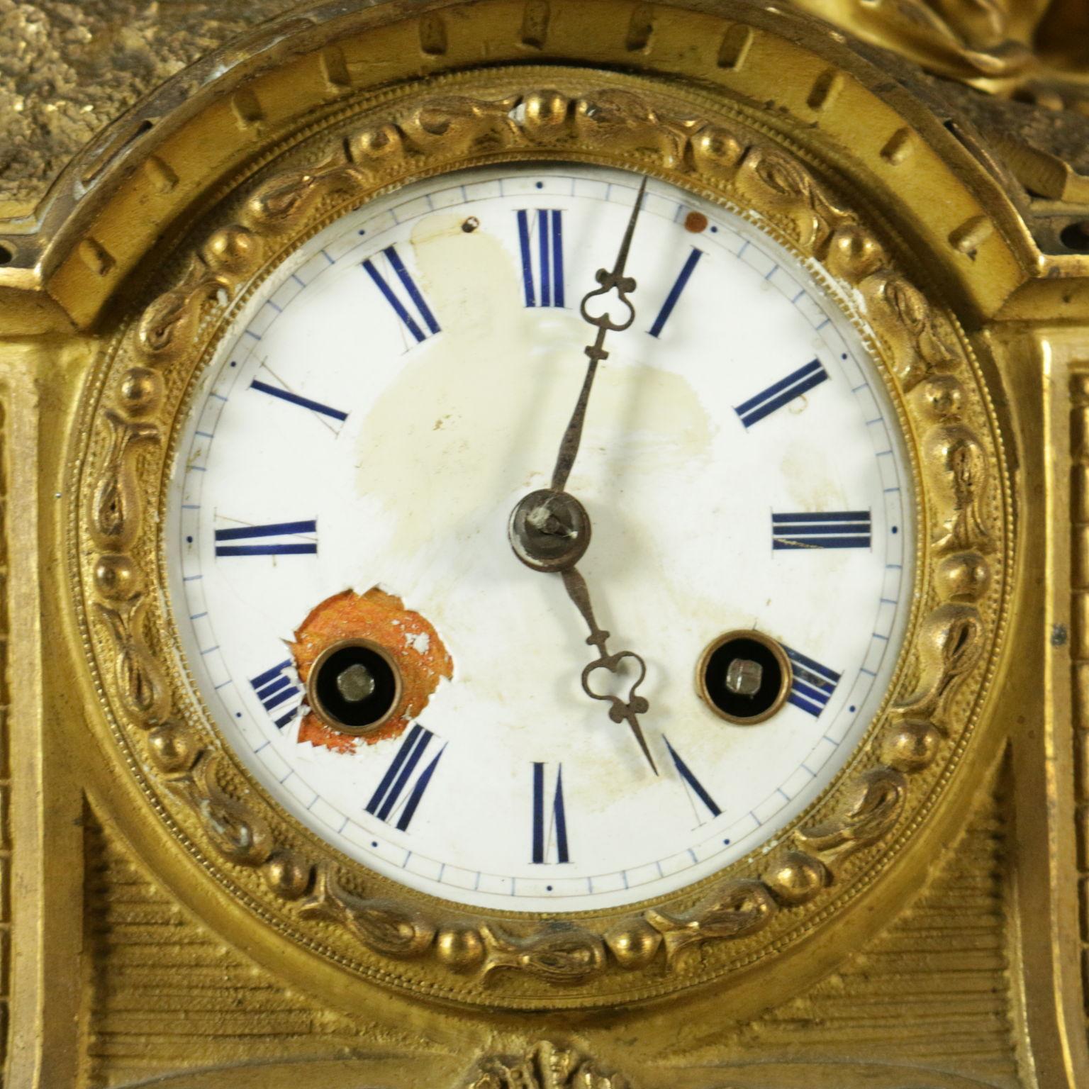 Orologio a pendolo da tavolo oggettistica antiquariato - Orologio a pendolo da tavolo ...