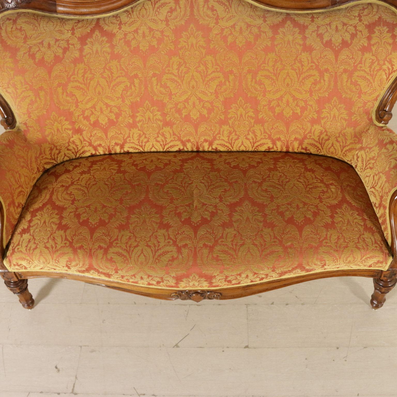 Divano fine 39 800 sedie poltrone divani antiquariato for Divano particolare