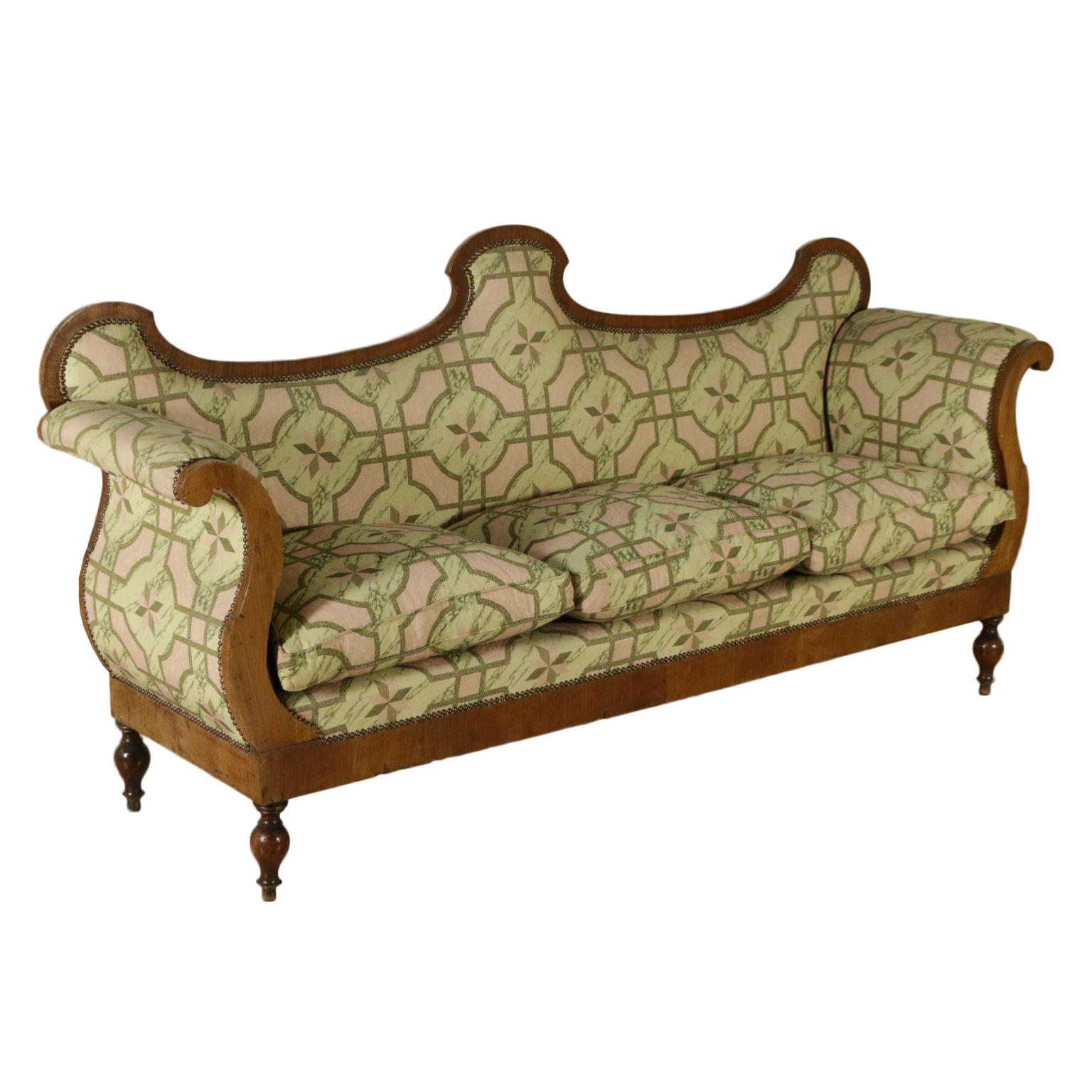 Divano restaurazione sedie poltrone divani for Poltrone sedie