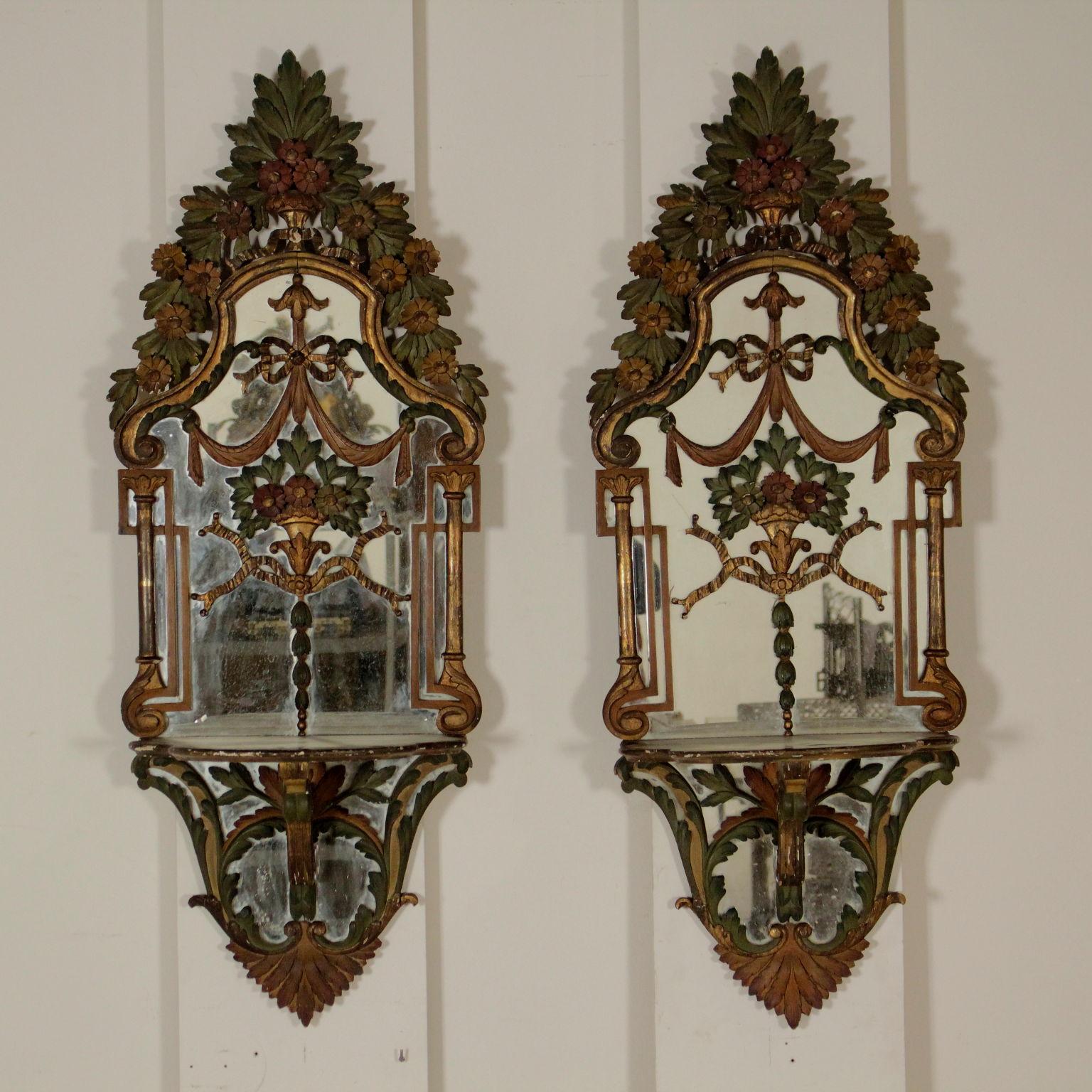 Coppia di specchi con consolle mobili in stile bottega - Specchi in stile ...