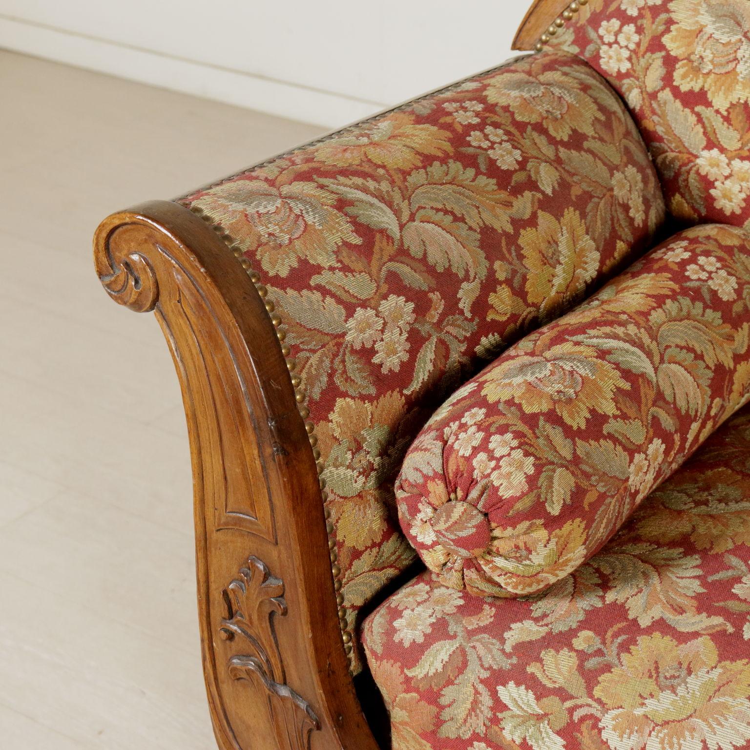 Divano met 39 800 sedie poltrone divani antiquariato for Divano particolare