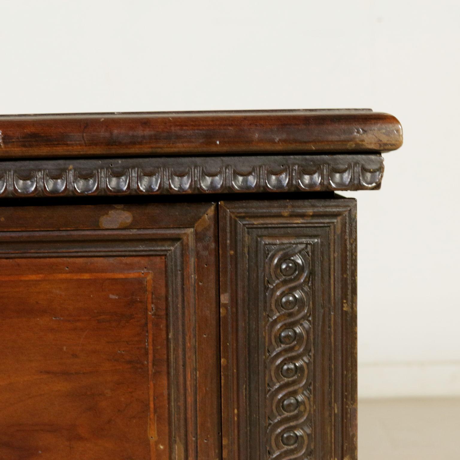 Cassapanca intagliata altri mobili antiquariato for Antiquariato mobili