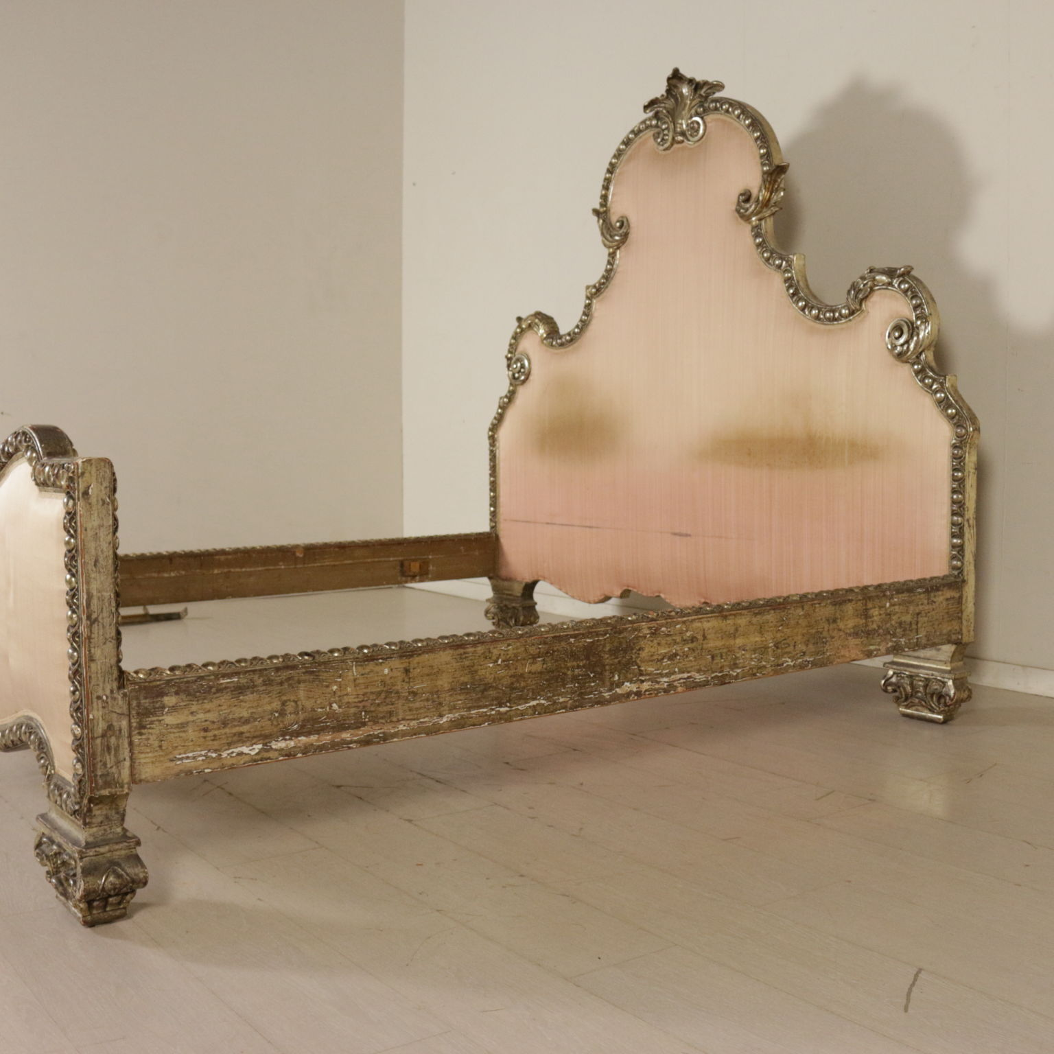 De oro de la cama en la Meca - Muebles de estilo - Bottega del 900 ...