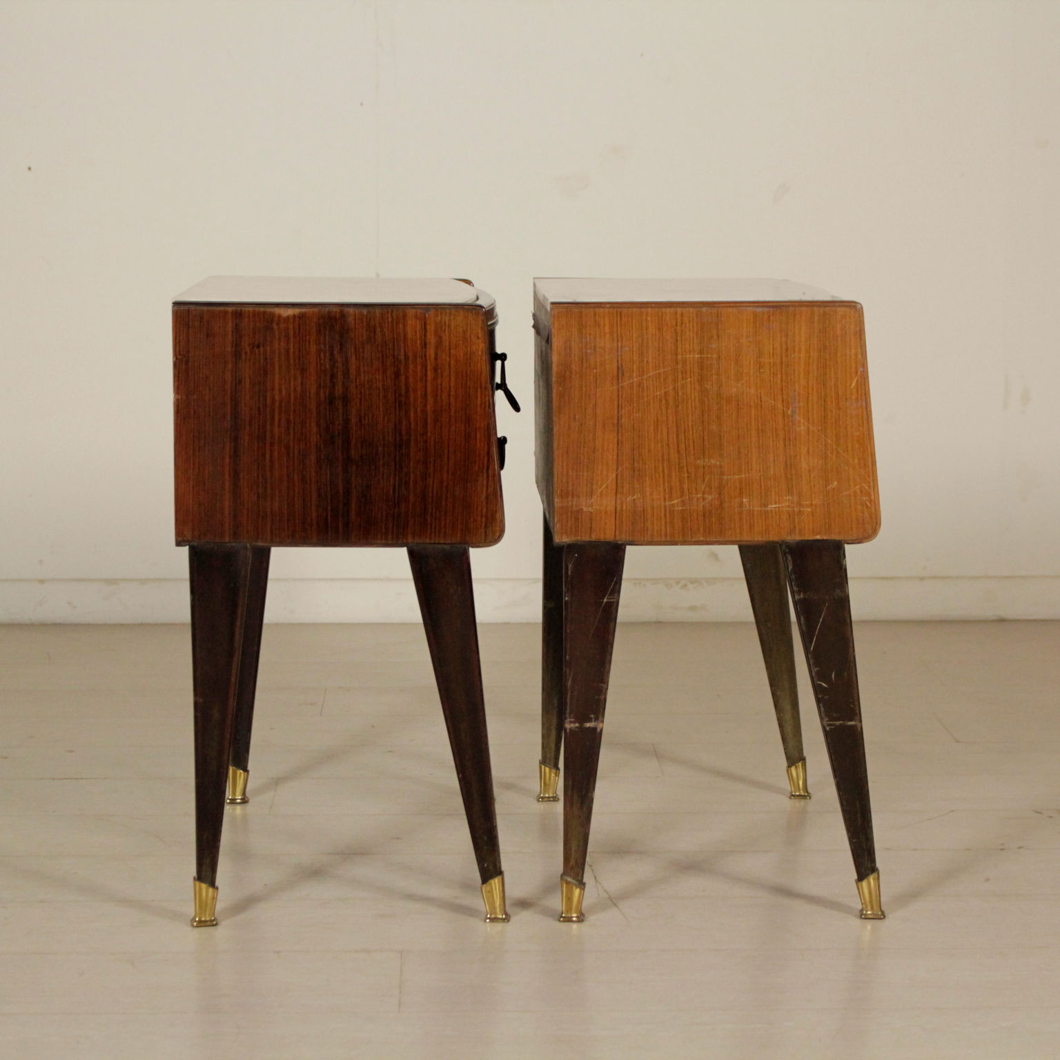 Las Mesitas De Noche En Los Años 50-60 - Muebles - Diseño moderno ...
