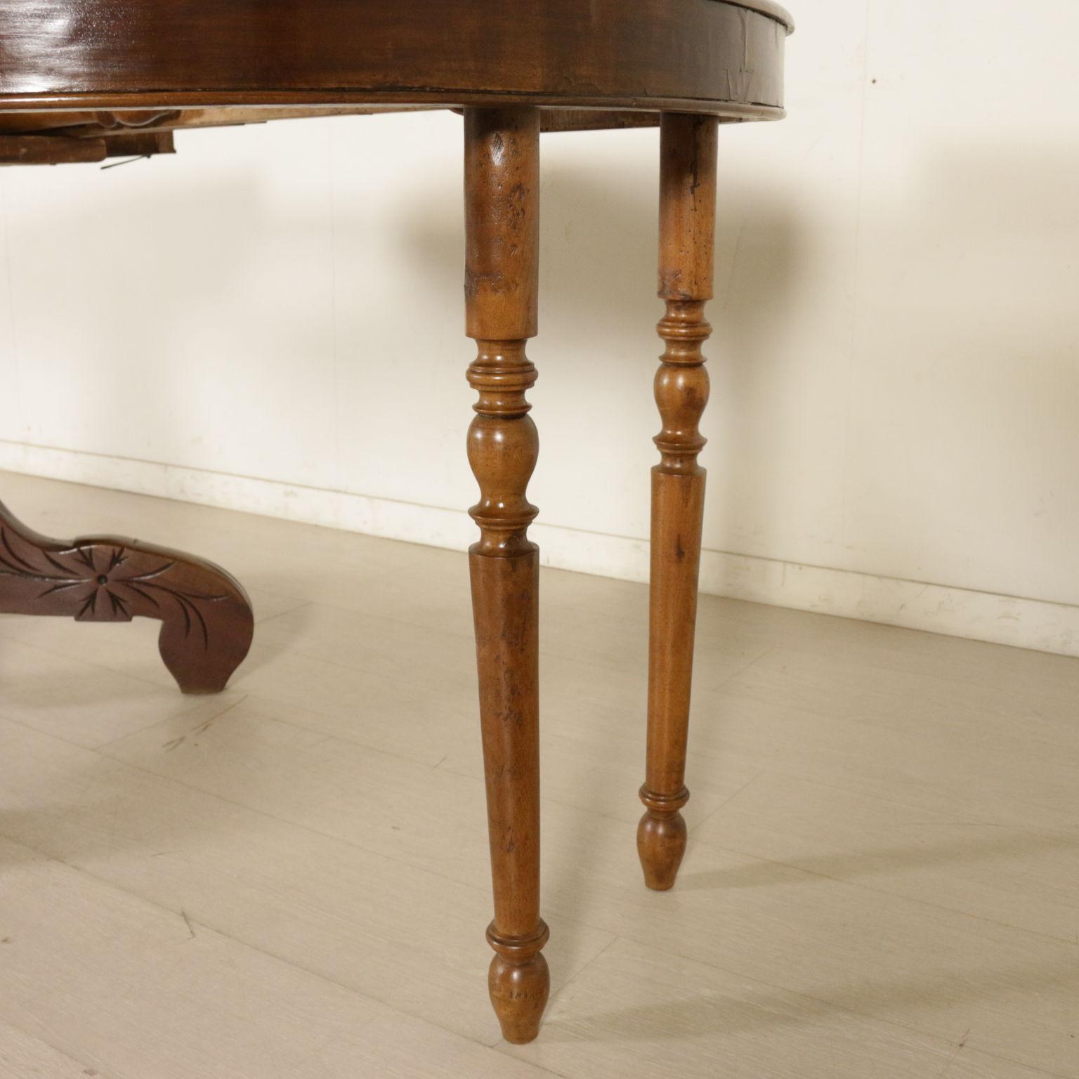 Tavolo con prolunghe tavoli antiquariato for Planimetrie di 1800 piedi quadrati