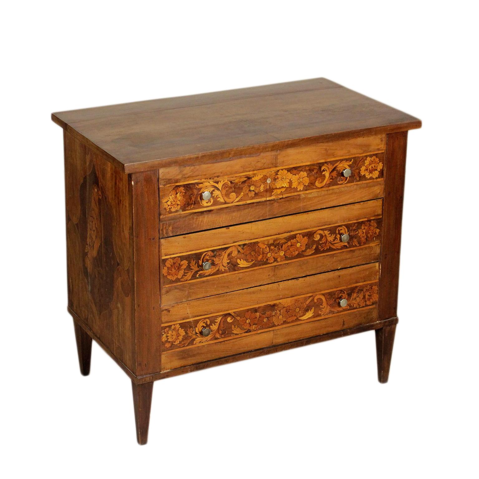 Pequeño Pecho de cajones antiguos de Madera - Muebles de estilo ...