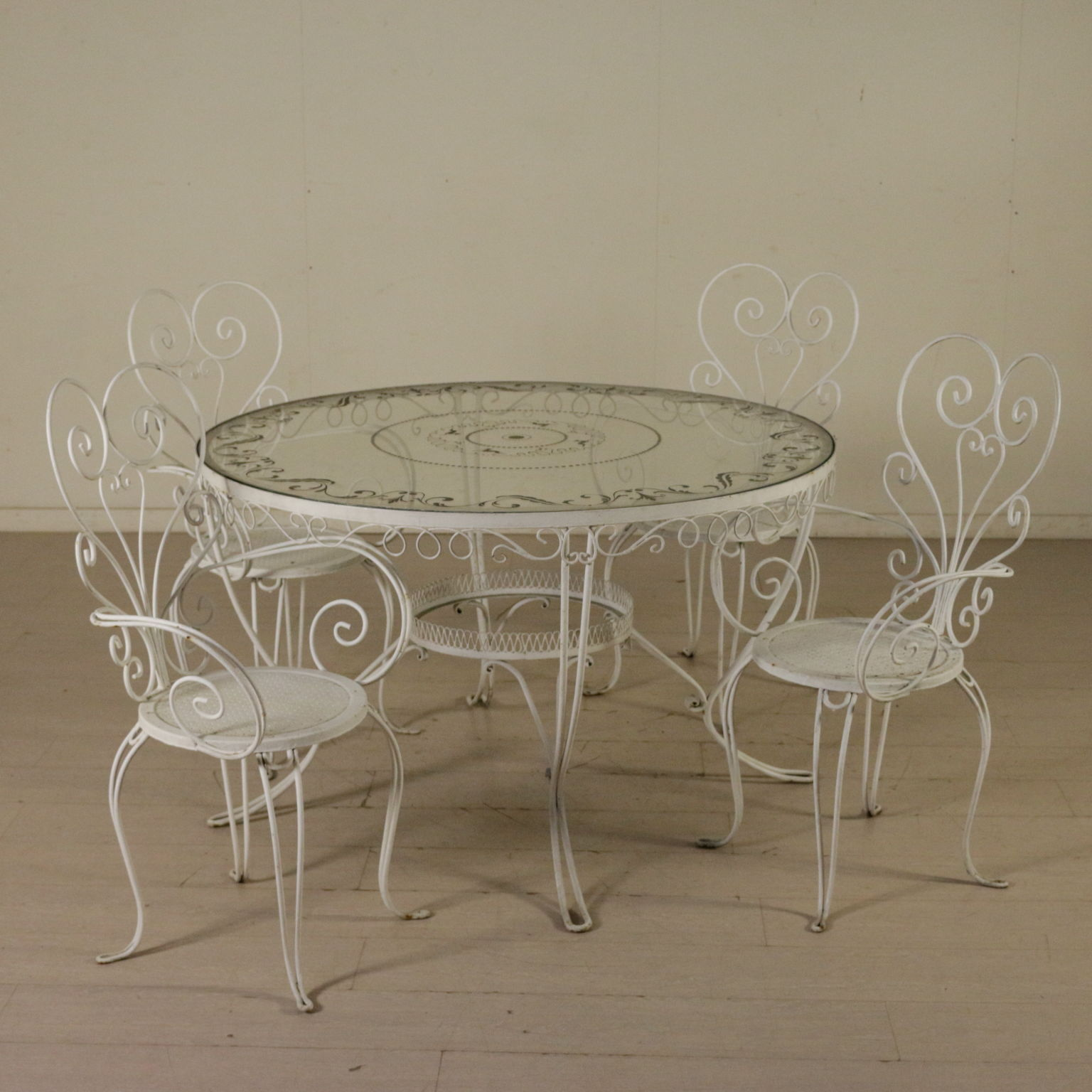 Tavolo in ferro battuto tavoli modernariato for Tavoli in ferro battuto