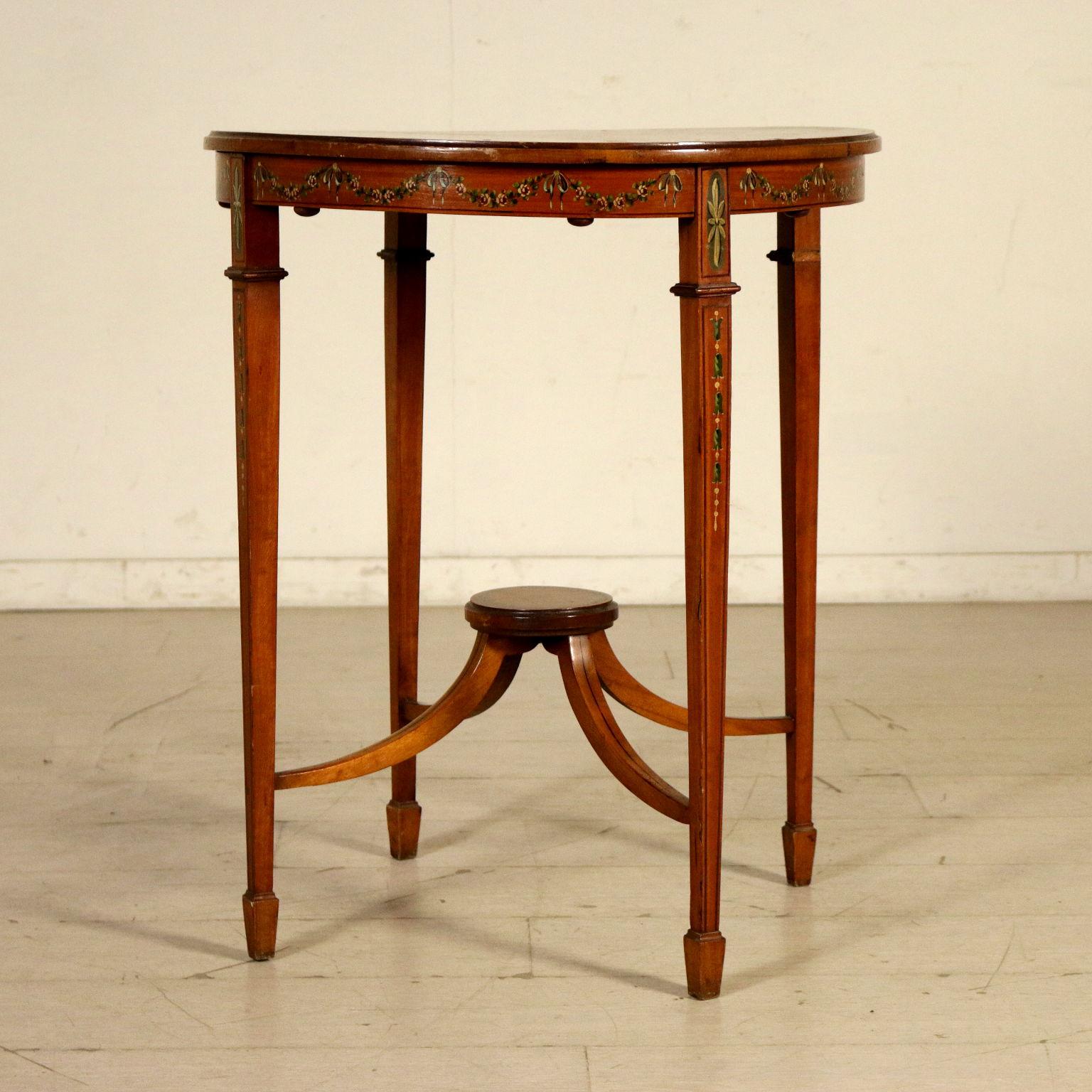 Tavolino tondo inglese mobili in stile bottega del 900 - Mobili in stile inglese ...