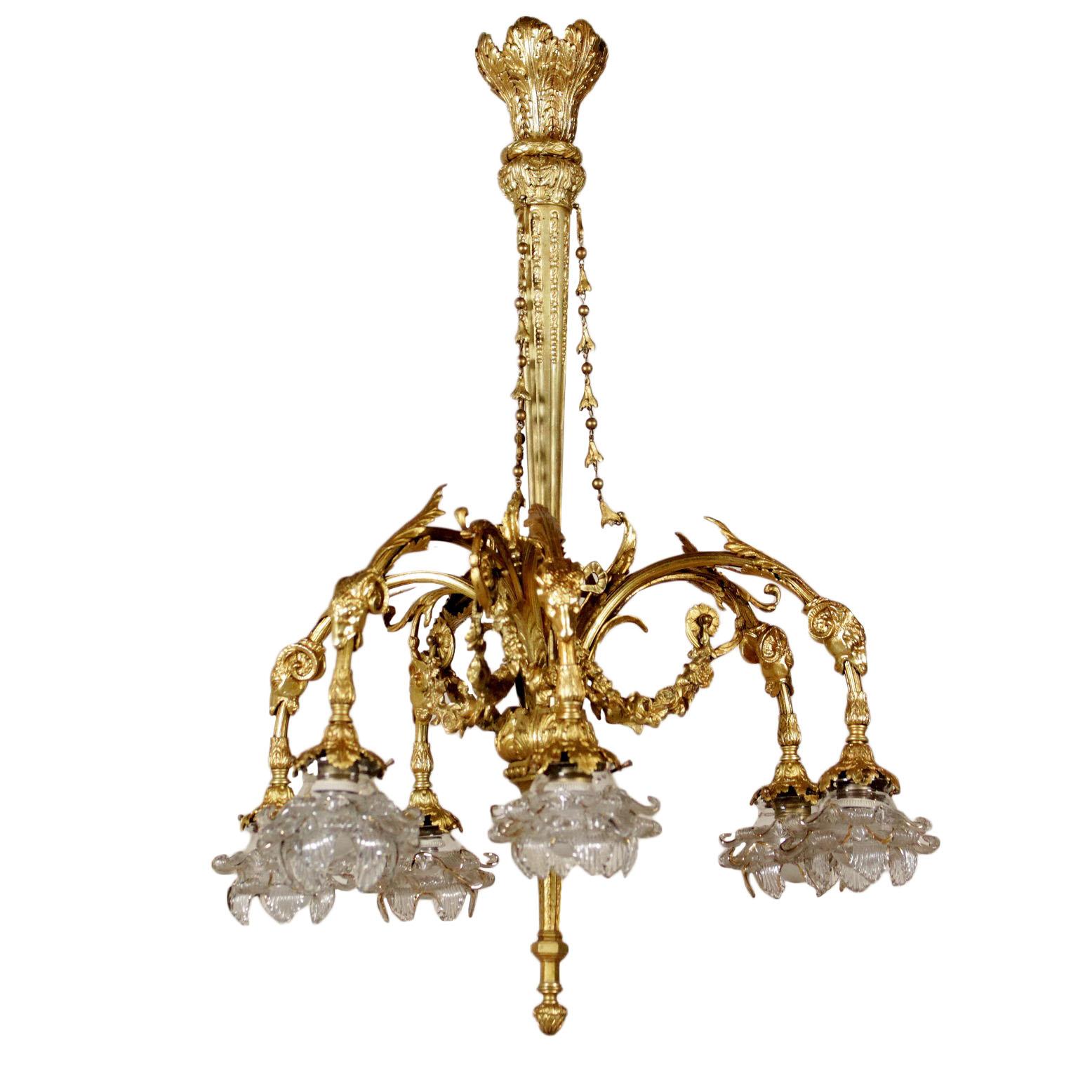 Uberlegen Kronleuchter Aus Vergoldeter Bronze